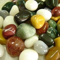 Quartz Pebbles Manufacturers in India